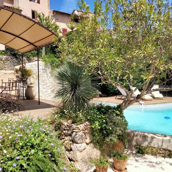 licorne-cotignac-piscine-3